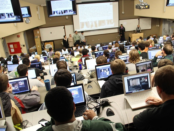 university conference room- رایان اندیشه مایا